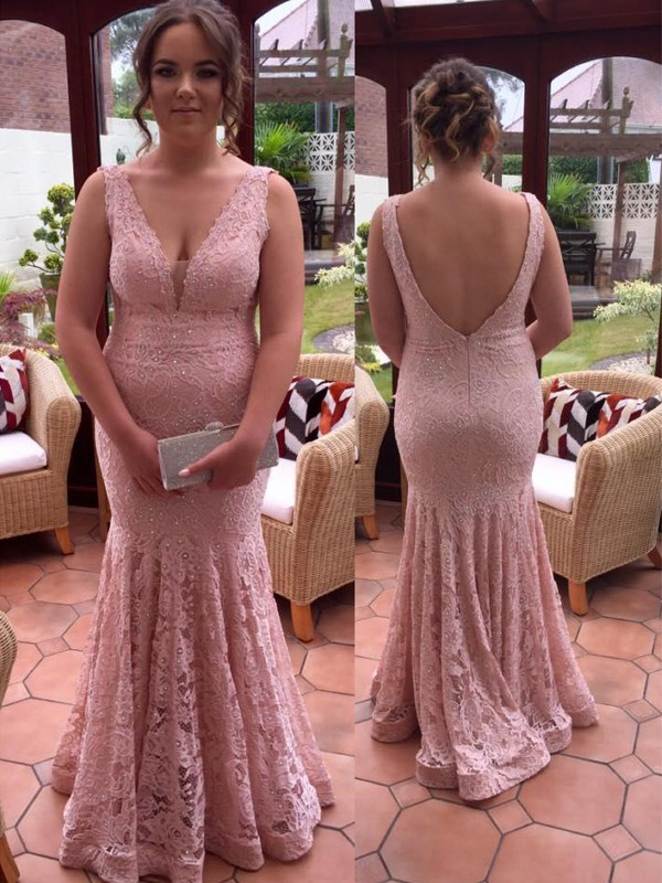Pearl Pink Lace V-neck Trumpet/Mermaid Floor-Length Plus Size Dresses