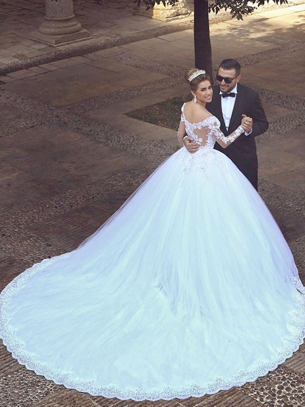 Ivory Tulle Off-the-Shoulder Ball Gown Court Train Wedding Dresses ...