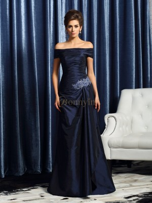 Dark Navy Taffeta Off-the-Shoulder Trumpet/Mermaid Sweep/Brush Train Mother of the Bride Dresses