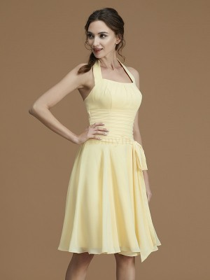 Daffodil Chiffon Halter A-Line/Princess Short/Mini Bridesmaid Dresses
