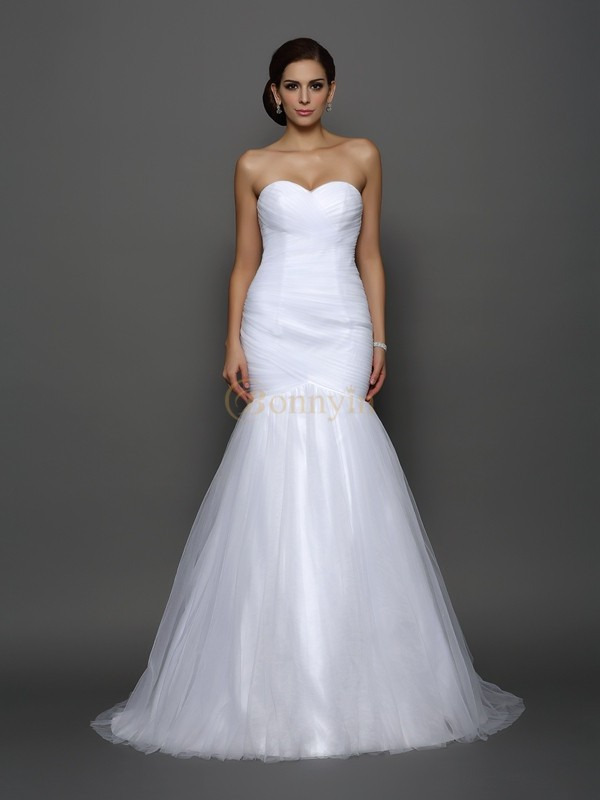 White Net Sweetheart Trumpet/Mermaid Court Train Wedding Dresses