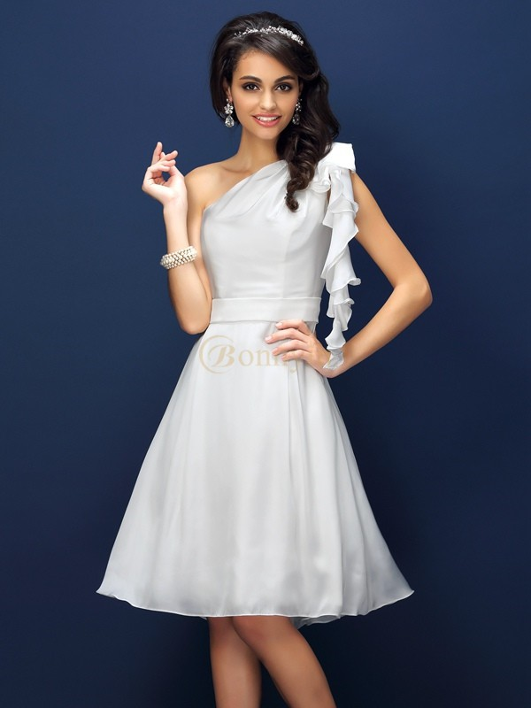 White Chiffon One-Shoulder A-Line/Princess Knee-Length Bridesmaid Dresses