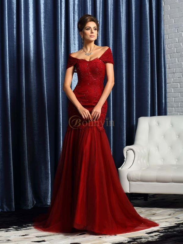 Red Satin Off-the-Shoulder Trumpet/Mermaid Sweep/Brush Train Mother of the Bride Dresses