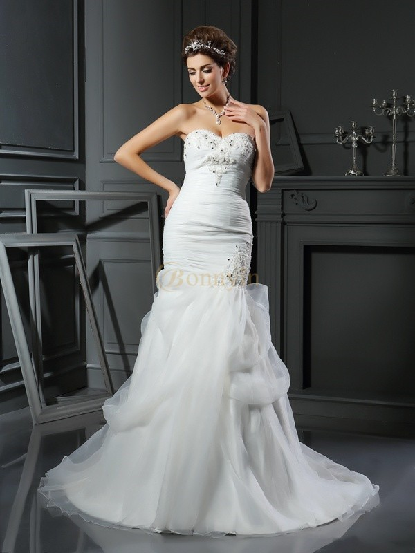 Ivory Net Sweetheart Trumpet/Mermaid Chapel Train Wedding Dresses