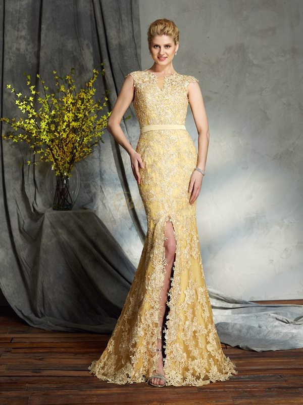 Daffodil Lace Scoop Trumpet/Mermaid Sweep/Brush Train Mother of the Bride Dresses