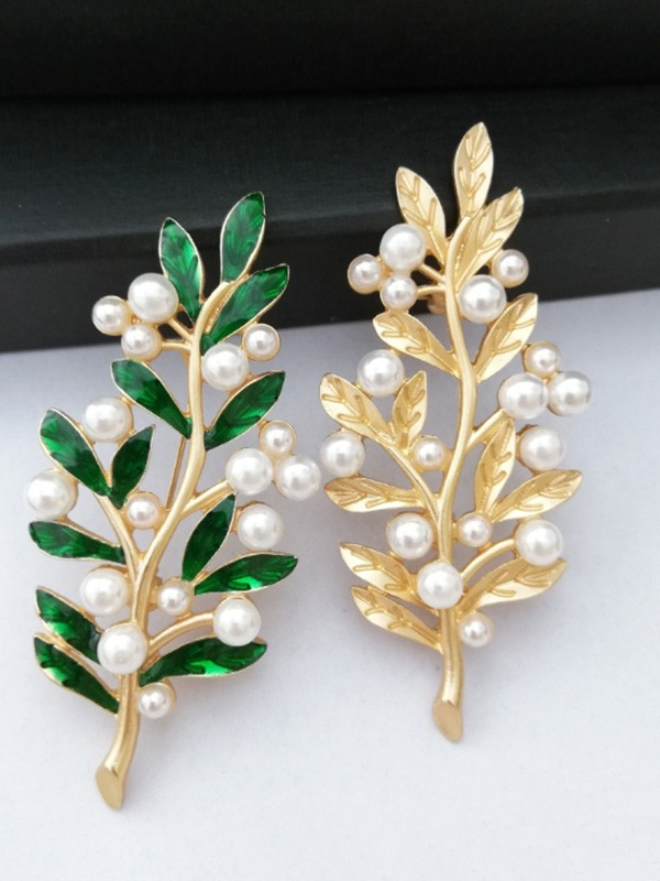 Vintage Alloy With Imitation Pearl Ladies Brooch