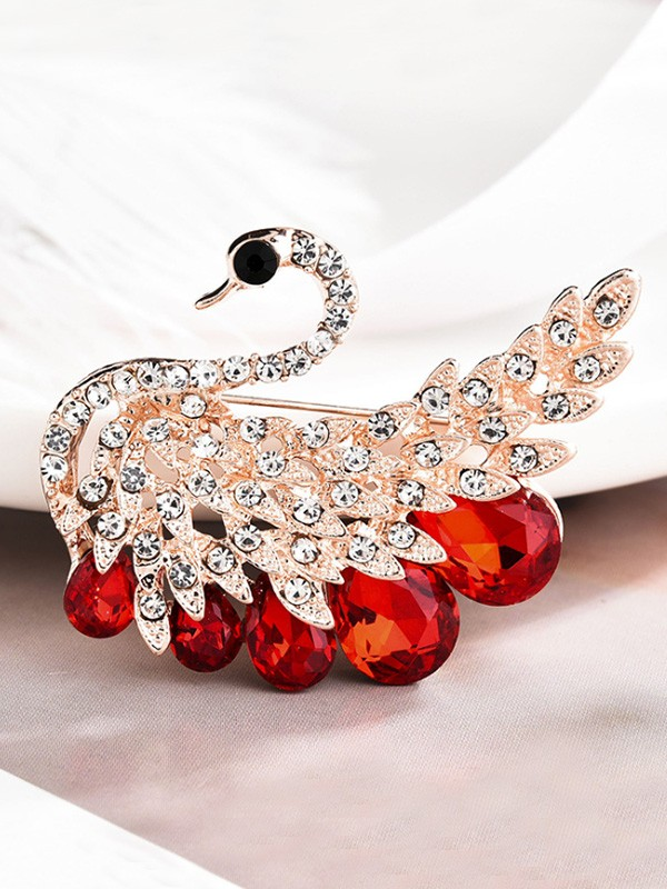 Gorgeous Alloy With Rhinestone Ladies Brooch