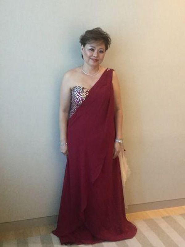 Burgundy Chiffon One-Shoulder A-Line/Princess Sweep/Brush Train Mother of the Bride Dresses