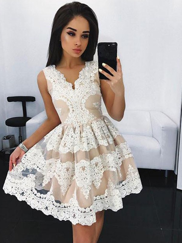 Ivory Tulle V-neck A-line/Princess Short/Mini Homecoming Dresses