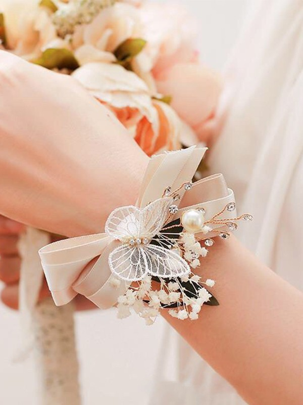 Fascinating Cloth Wrist Corsage