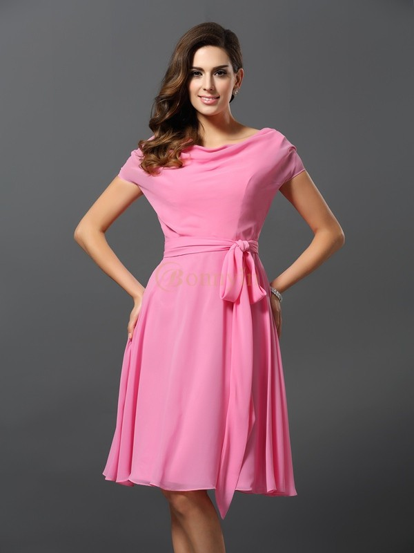 Pink Chiffon Scoop A-Line/Princess Knee-Length Bridesmaid Dresses