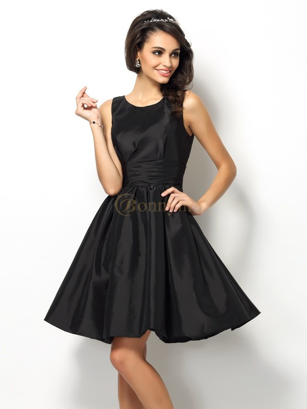 Black Taffeta Bateau A-Line/Princess Short/Mini Bridesmaid Dresses