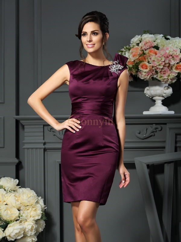 Grape Satin Scoop Sheath/Column Knee-Length Mother of the Bride Dresses