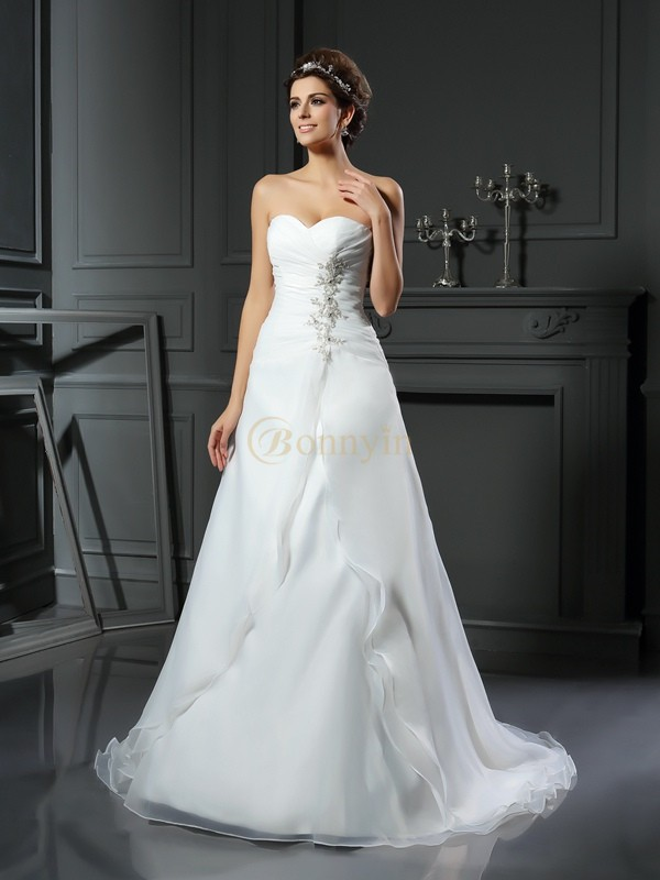 Ivory Satin Sweetheart A-Line/Princess Chapel Train Wedding Dresses