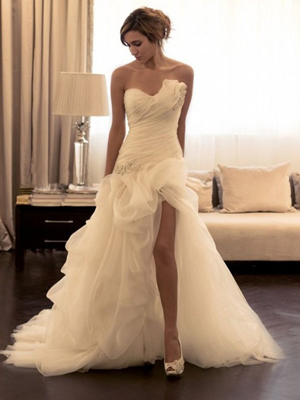 White Organza Sweetheart Ball Gown Sweep/Brush Train Wedding Dresses