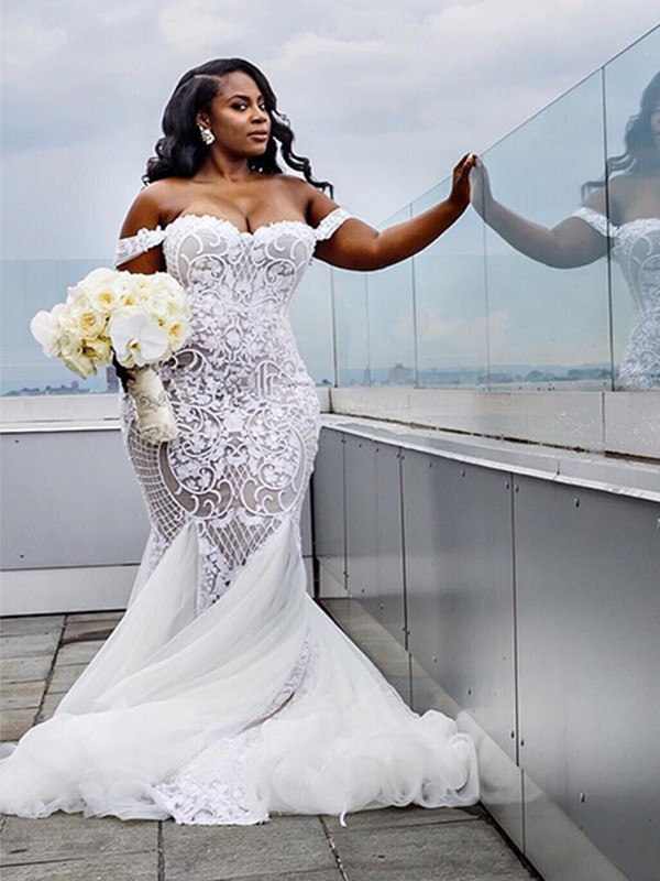 White Tulle Off-the-Shoulder Trumpet/Mermaid Court Train Wedding Dresses