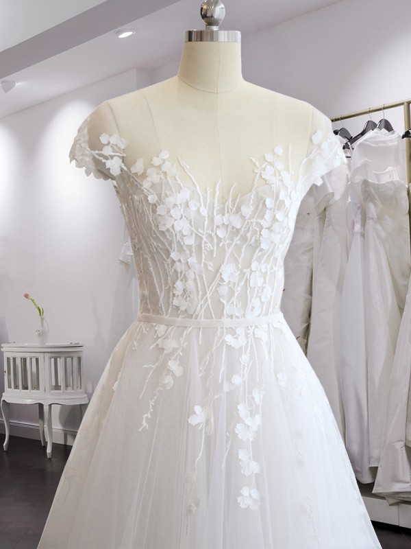 White Chiffon V-neck A-Line/Princess Court Train Wedding Dresses