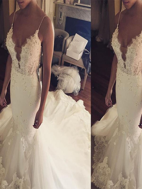 Ivory Tulle Spaghetti Straps Trumpet/Mermaid Court Train Wedding Dresses
